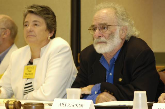 Chancellor Toni Murdock, left, and Chairman of the Board Art Zucker in 2007.